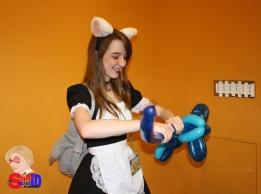 Maid Balloon twister