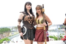 Xena-and-Gabrielle-from-Xena-Warrior-Princess